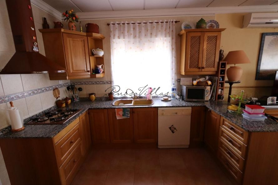 Pinoso Villa with pool 2km to Town  in Pinoso Villas