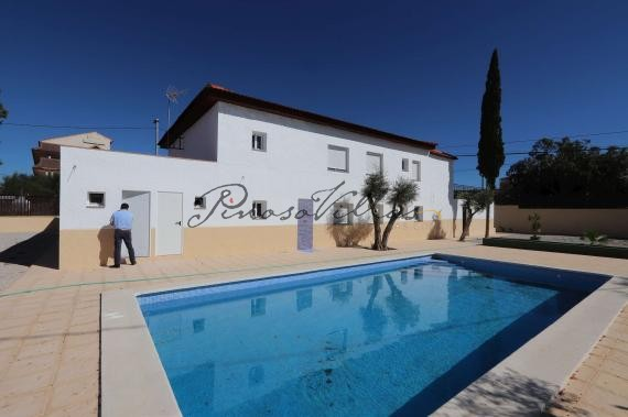 Rare Hotel with licences 11 bedroom restaurant and pool