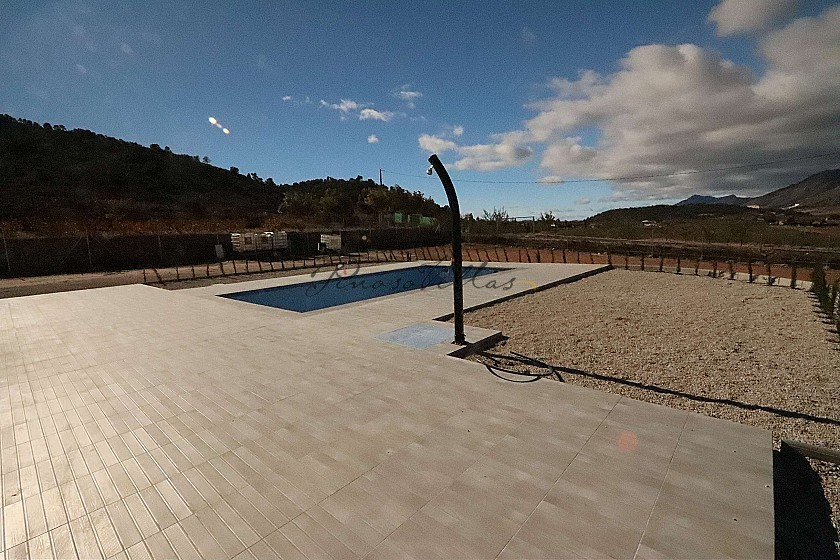 Modern new villa 3 bedroom villa €194995 or with pool and garage €224.995 in Pinoso Villas