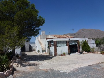 Country property - Villa for sale in Barbarroja, Alicante