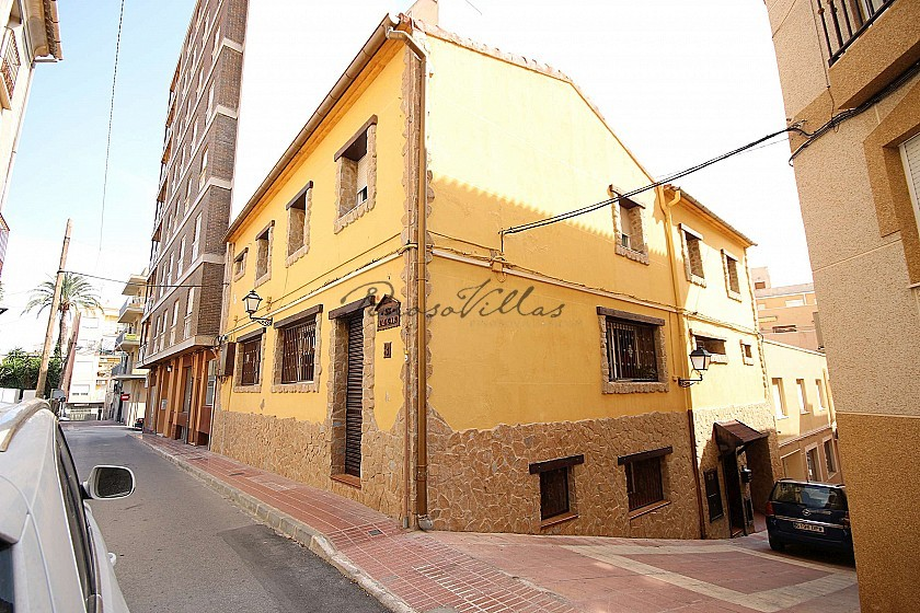 Large Town House with a gym business in Monovar in Pinoso Villas