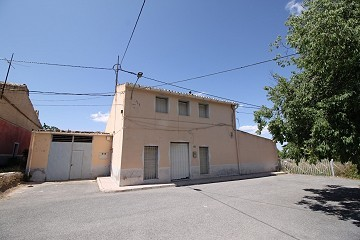 Reduced 100k - Large Detached House in a small village 40mins to Alicante