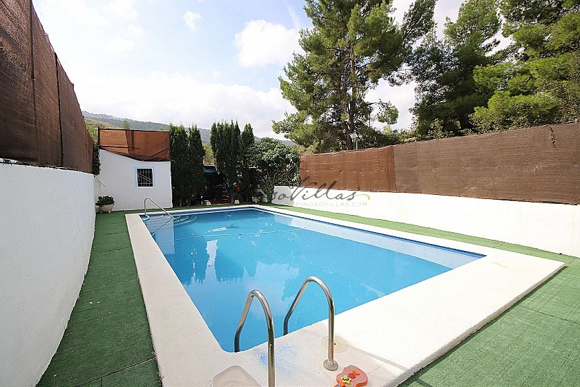 Town House with a swimming pool and views in Casas del Señor, Alicante in Pinoso Villas