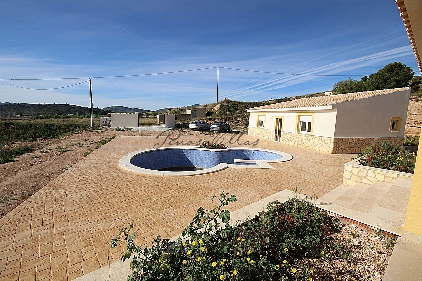 Brand New Detached Villa with a guest house and pool in La Romana in Pinoso Villas