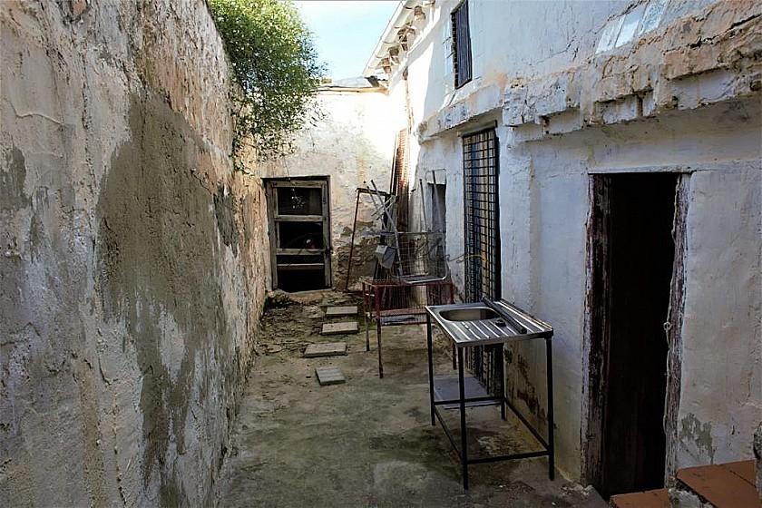 Renovation Project Villa in Algayat, near to La Algueña in Pinoso Villas