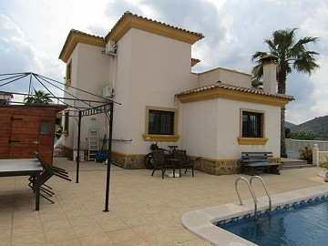 Fantastic 4 Bedroom Detached Villa With Swimming Pool