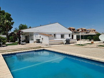Lovely house with pool on El Reloj, Fortuna