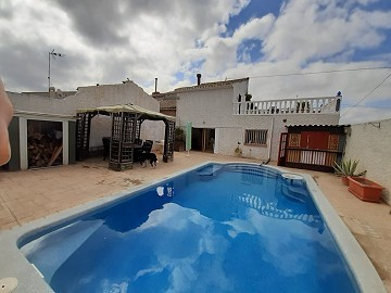 Townhouse in a small hamlet close to Pinoso.