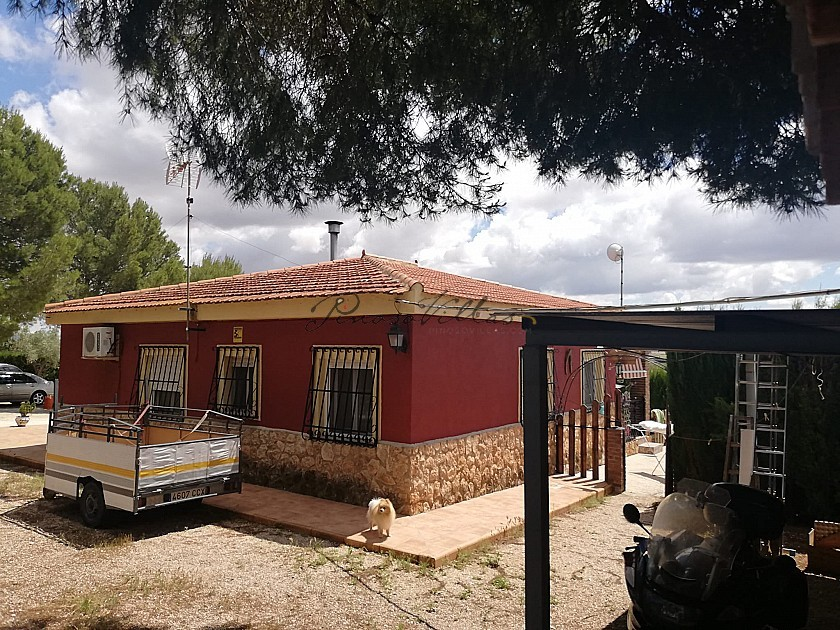 Country House with 4 Bedrooms and pool in Pinoso Villas