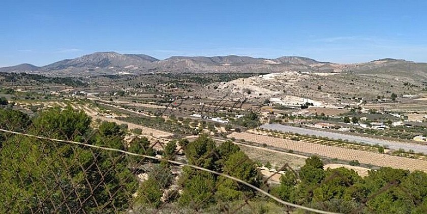 400m2 Mountain Retreat with Rent To Buy option in Pinoso Villas
