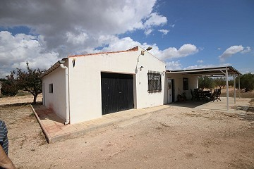 Detached Country House in Monovar